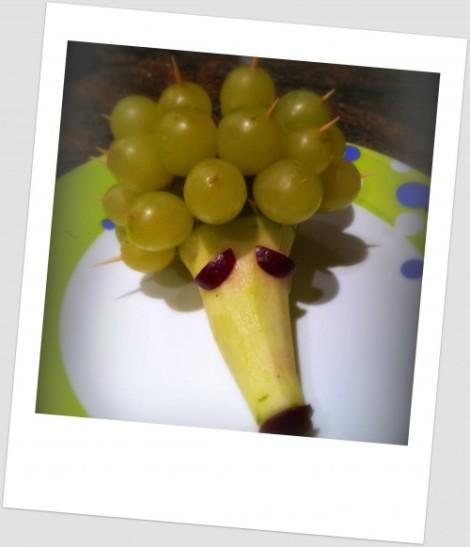 Erizo de peras y uvas