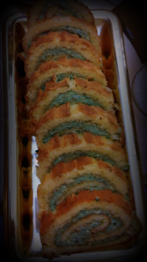 Rollitos de queso azul, rúcula y nueces